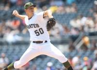 Pirates hope to gain ground vs. Brewers