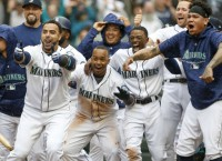 King Felix starts as M's open 4-game set vs. Red Sox