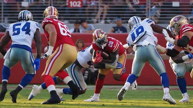 49ers' McKinnon injures knee, MRI ordered