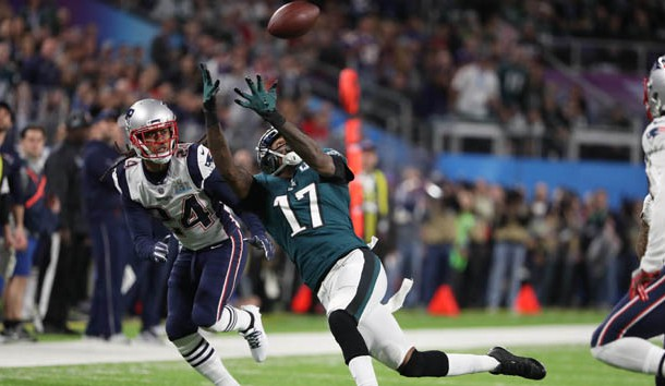 Feb 4, 2018; Minneapolis, MN, USA; Philadelphia Eagles wide receiver Alshon Jeffery (17) makes a catch against New England Patriots cornerback Stephon Gilmore (24) during the second quarter in Super Bowl LII at U.S. Bank Stadium. Photo Credit: Winslow Townson-USA TODAY Sports