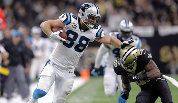 Jan 7, 2018; New Orleans, LA, USA; Carolina Panthers tight end Greg Olsen (88) tries to push off against New Orleans Saints defensive back Rafael Bush (25) during the fourth quarter in the NFC Wild Card playoff football game at Mercedes-Benz Superdome. Mandatory Credit: Stephen Lew-USA TODAY Sports