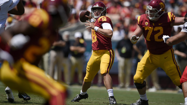 QB Daniels to start for USC