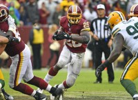 Redskins bringing back RB Adrian Peterson