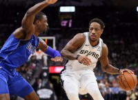 Spurs go for fourth straight win against Clippers