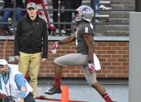 Winston's Late TD Catch Helps Washington State Win