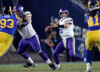 Vikings clash with Eagles in title-game rematch