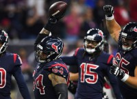 Offensive line helps rev up Texans' offense