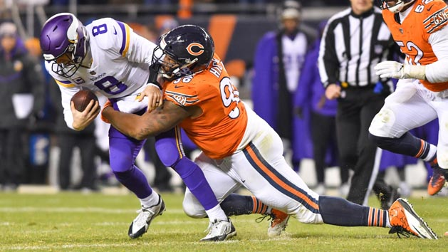 Bears hope to cripple rival Packers' playoff chances