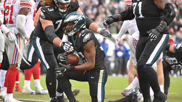 Eagles rely on Adams to power ground game
