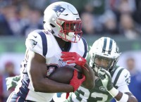 Michel powers Patriots to victory over Jets