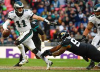 NFL Notes: Eagles' Wentz has fracture in back