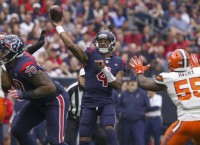 Texans smother Mayfield, Browns, win ninth straight