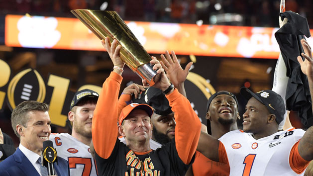 Clemson stuns Bama to win College Football Playoff