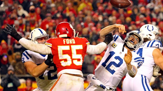 Chiefs dominate Colts behind Mahomes, defense