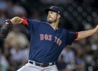 Giants sign Pomeranz to one-year deal