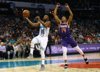 Hornets rout Suns 135-115 with balanced scoring