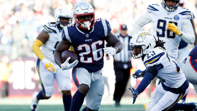 Patriots use all-around effort to steamroll Chargers