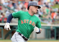 Reports: Astros extend Bregman, Pressly