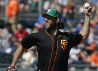 Dodgers have to contend with Giants ace Bumgarner