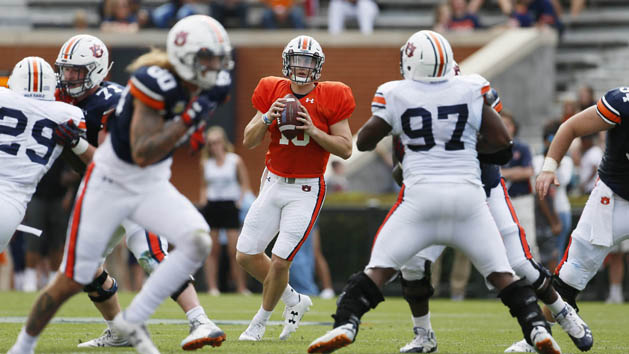 Auburn names freshman Nix starting QB
