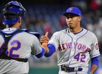 McNeil, Mets look to keep rolling vs. Phillies