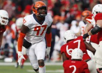 Illinois DE Roundtree suffers severe spinal injury