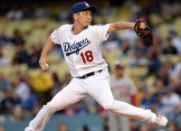 Dodgers greet Phillies in battle of frontrunners