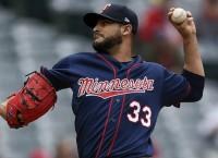 Twins seek series split with Brewers