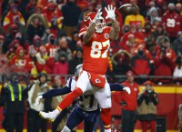 Chiefs overtake Patriots as Super Bowl favorite