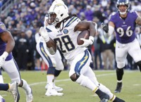 RB Gordon tells Chargers: Pay me or trade me