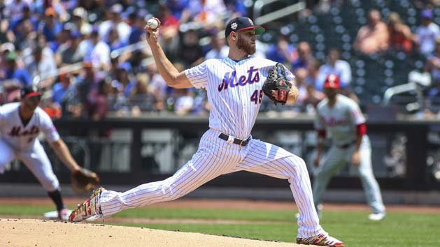 Phillies officially welcome RHP Wheeler