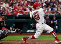 Cardinals chase sweep of Brewers