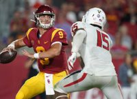 USC QB Slovis (concussion) to start at No. 9 Irish