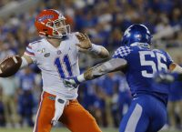 No. 9 Gators prep two QBs for visiting Vols