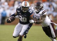 Auburn RB Whitlow (knee) out 4-6 weeks