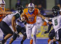 Boise State QB Bachmeier leaves with injury