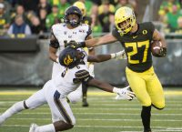Oregon TE Breeland suffers season-ending leg injury
