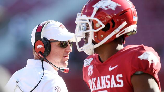 Auburn adds ex-Arkansas head man Morris as OC