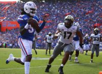 Gators Rebound with Shutout of Commodores