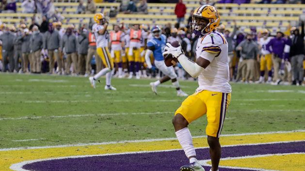 Boutte's record-setting catch wins it for LSU