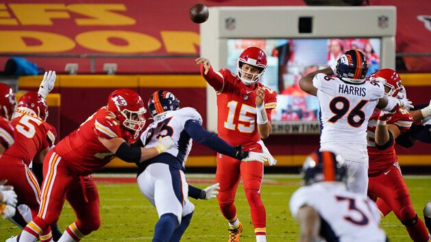 Mahomes ahead of schedule after toe surgery