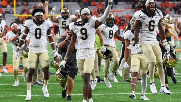 Perry's TD Catch Keeps Deacons Undefeated