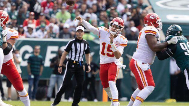 Last-place Chiefs aim for turnaround at Washington